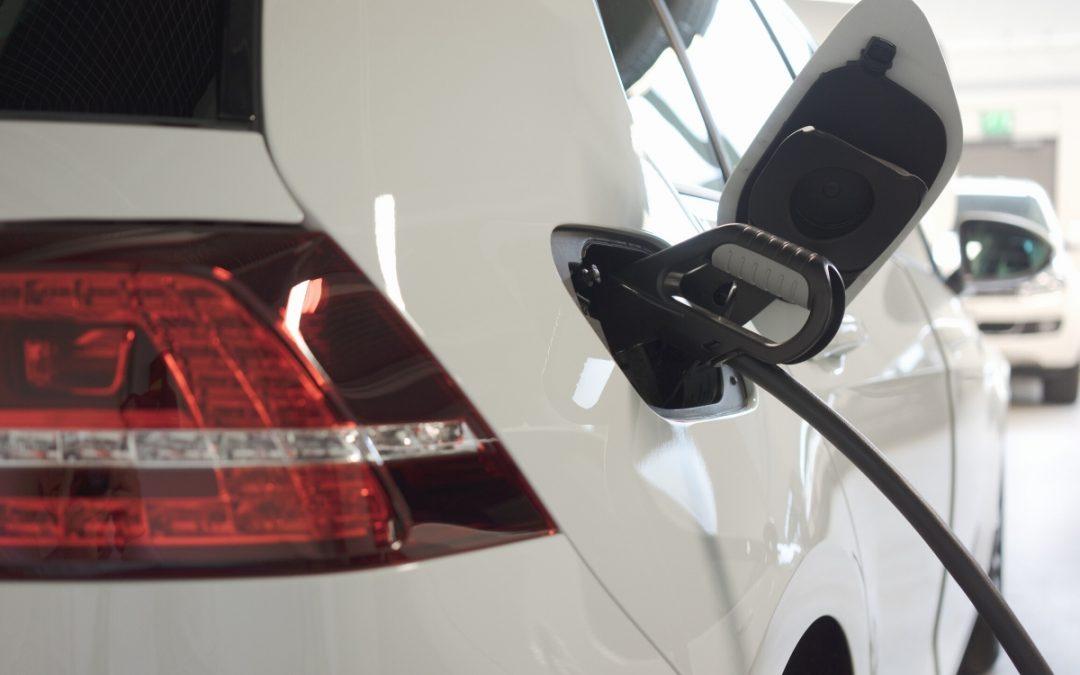 Pitäisikö ostaa sähköauto vai siirtyä yhteiskäyttöautoiluun? Osa 1